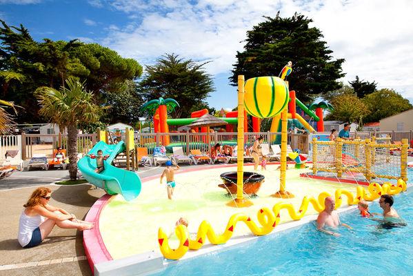 Les Plus Beaux Campings Avec Un Parc Aquatique En Normandie Camping La Vallee
